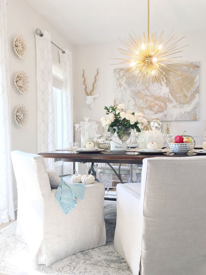 Linen Slipcovered Dining Chairs, Linen Slipcovered Dining Chairs, Comfortable and washable Linen Slipcovered Dining Chairs #LinenSlipcoveredDiningChairs #SlipcoveredDiningChairs #DiningChairs Beautiful Homes of Instagram Home Bunch