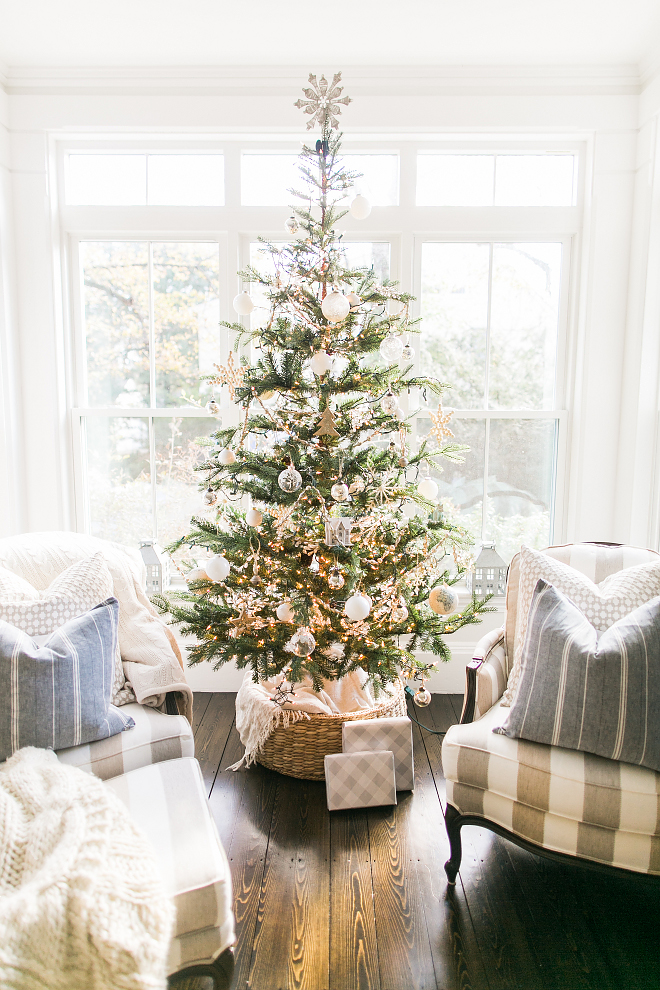 Natural Christmas Tree Decorating Ideas How to decorate a traditional Natural Christmas Tree Natural Christmas Tree