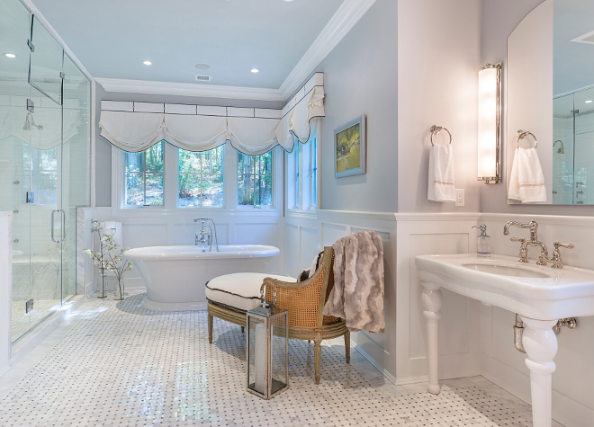 Pale Smoke by Benjamin Moore Light grey Bathroom paint color Pale Smoke by Benjamin Moore #PaleSmokebyBenjaminMoore