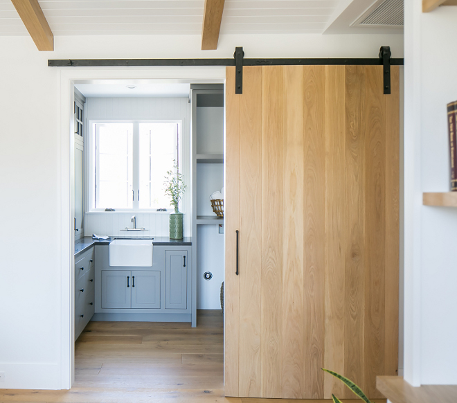 White Oak Barn Door with natural clear lacquer finish White Oak Barn Door with natural clear lacquer finish ideas #WhiteOak #BarnDoor #naturalclearlacquerfinish