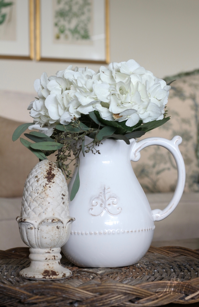 Hydrangeas Coffee Table Decor. White hydrangeas always bring a timeless and soft feel to any coffee table. Beautiful Homes of Instagram @maisondecinq