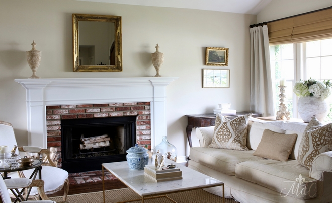 This living room is comfortable and truly inviting. I also love the neutral color scheme. Paint color is Benjamin Moore Muslin. Beautiful Homes of Instagram @maisondecinq