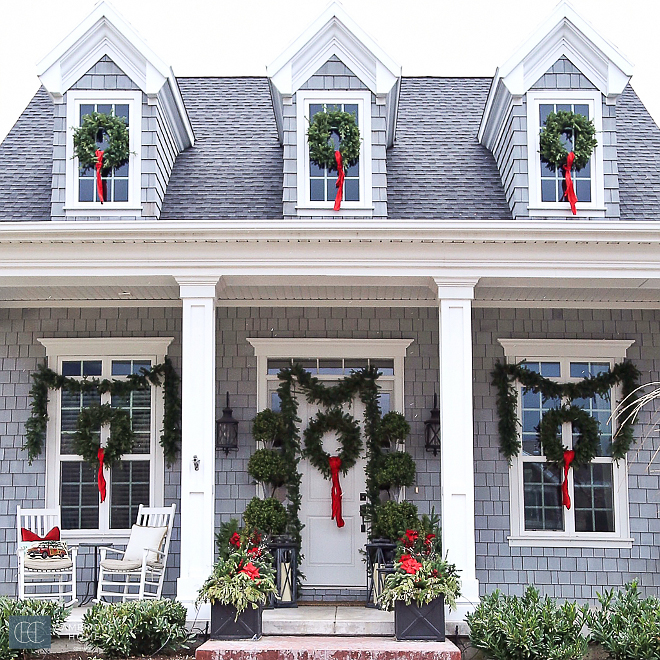 Exterior-Christmas-Wreath-Decor