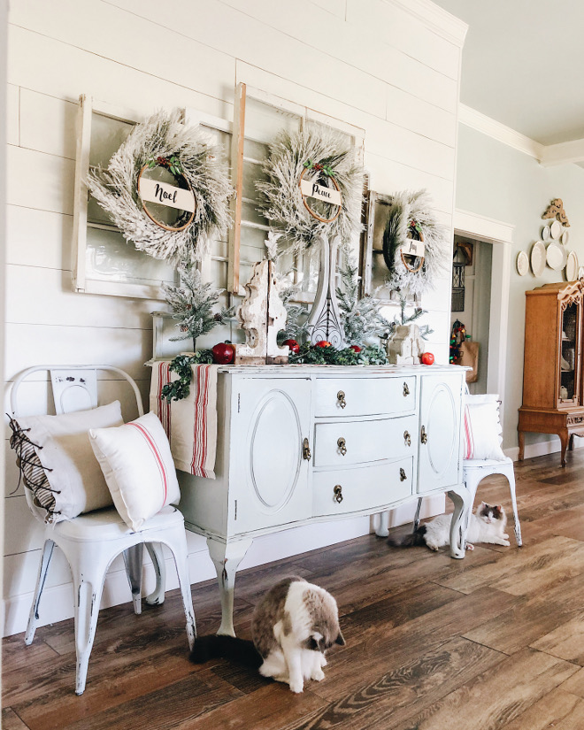 Farmhouse Christmas Foyer with Shiplap Farmhouse Christmas Foyer with Shiplap Ideas Farmhouse Christmas Foyer with Shiplap