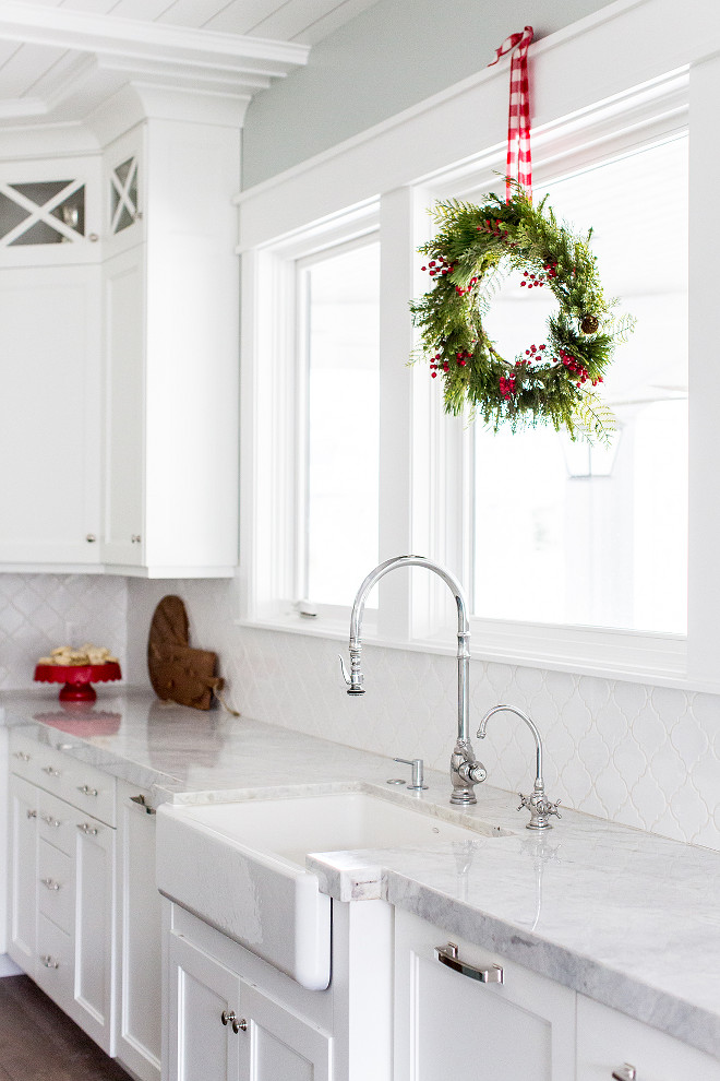 Kitchen Christmas Decor Wreath on kitchen window Kitchen Christmas Decor Wreath on kitchen window Kitchen Christmas Decor Wreath on kitchen window