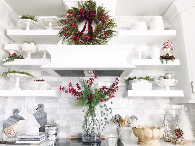 Kitchen Hood Mantel Wreath Kitchen Hood Mantel Wreath Ideas Kitchen Hood Mantel Wreath Tips Kitchen Hood Mantel Wreath Pictures #Kitchen #HoodMantel #Wreath Home Bunch Beautiful Homes of Instagram