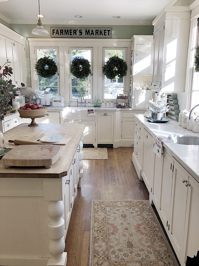 Rustic White Farmhouse Kitchen True farmhouse kitchen Rustic White Farmhouse Kitchen Rustic White Farmhouse Kitchen #RusticWhiteFarmhouseKitchen #WhiteFarmhouseKitchen #FarmhouseKitchen