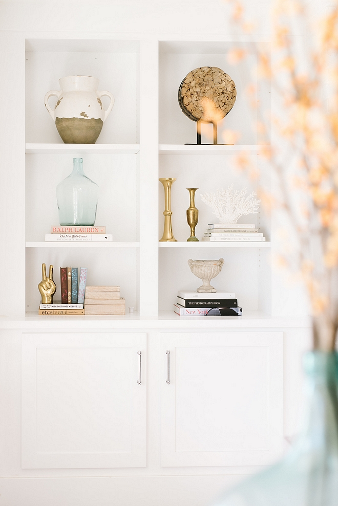 Decorator's white by Benjamin Moore Bookcase color