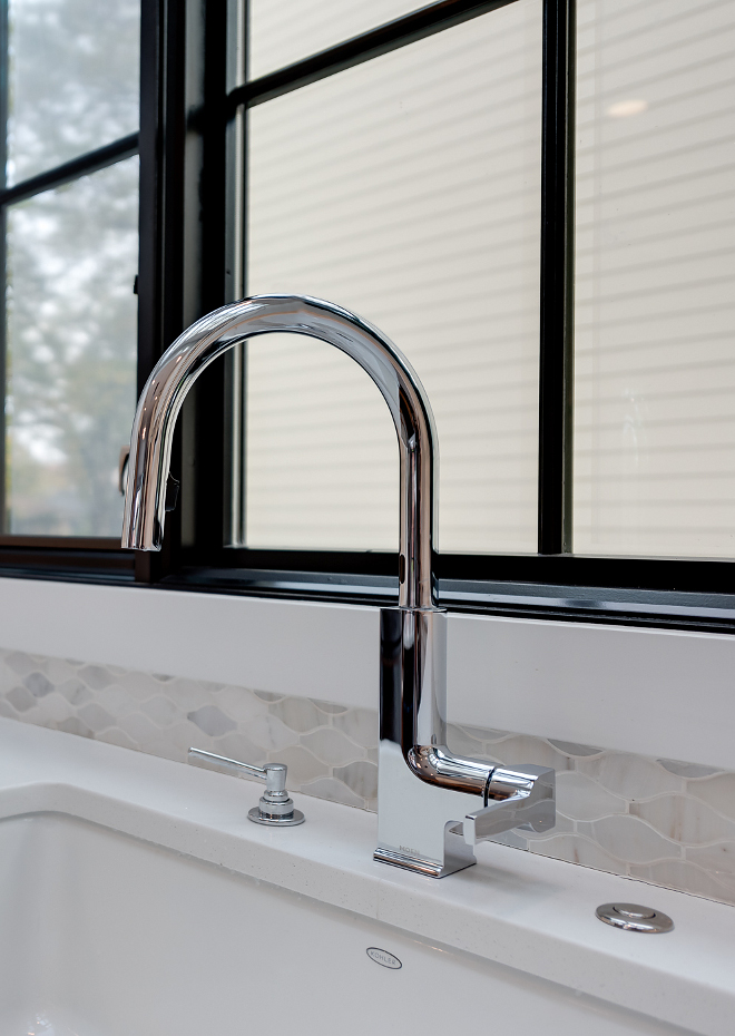 Delta 3553LF- Vero two handle widespread lavatory faucet