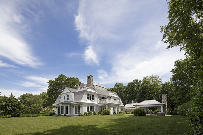 Timeless Gambrel Home Architecture Design