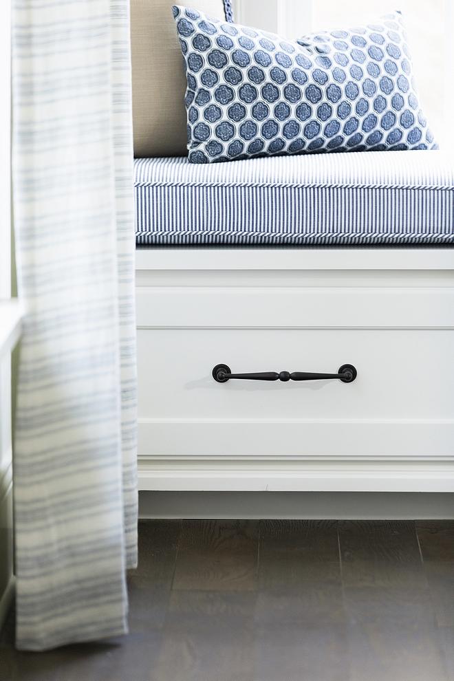 Drawer Hardware Drawer cabinet hardware souce on Home Bunch Drawer Hardware #DrawerHardware