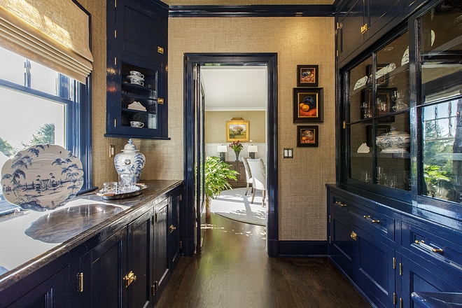 Navy blue butler's pantry High gloss cabinets Navy blue butler's pantry High gloss cabinets Paint color