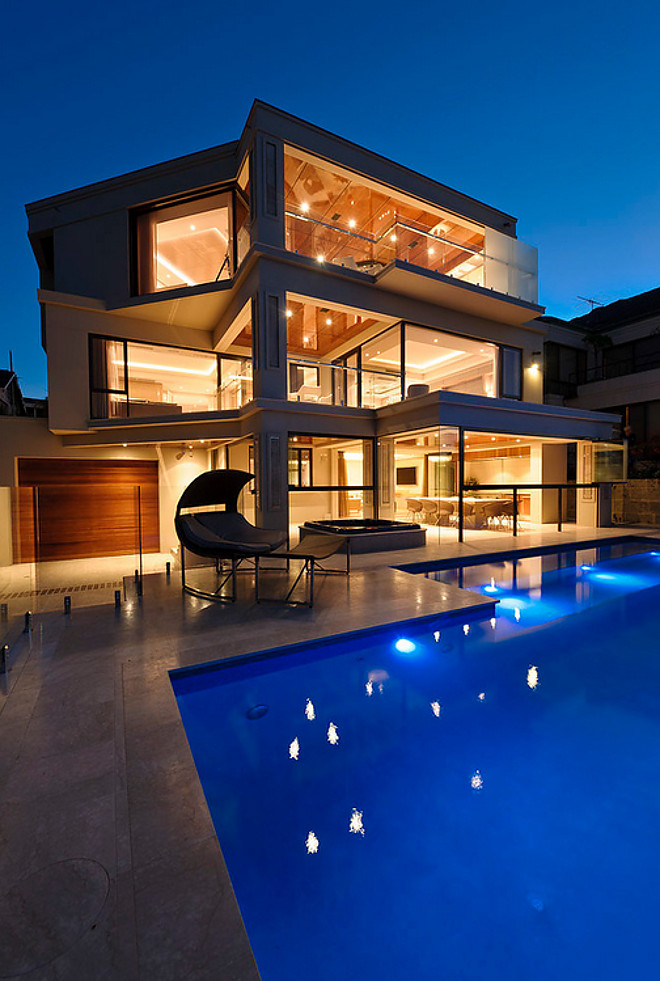 Contemporay home pool backyard