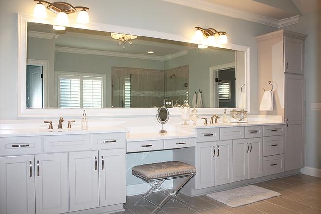 Grey bathroom cabinet