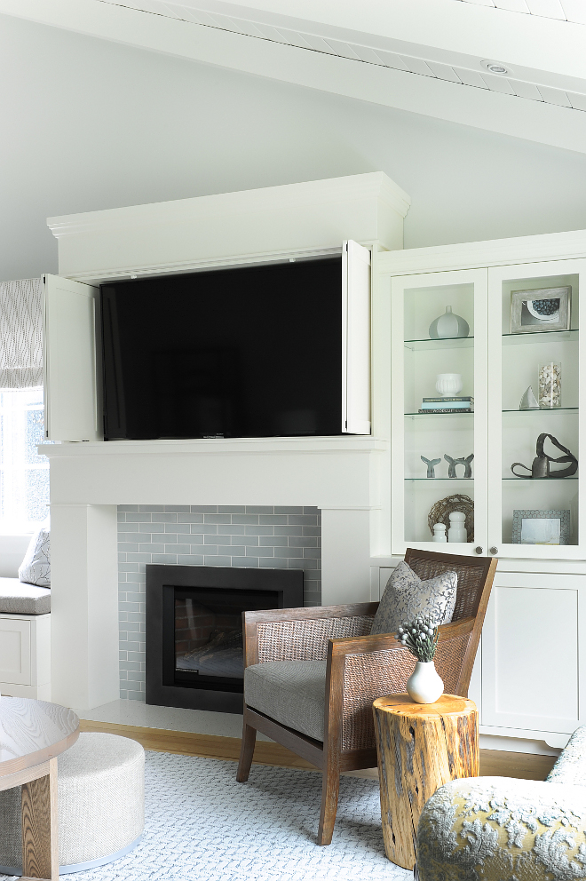 Benjamin Moore Cloud White All trim, doors, millwork and ceiling paint color Benjamin Moore Cloud White CC-40