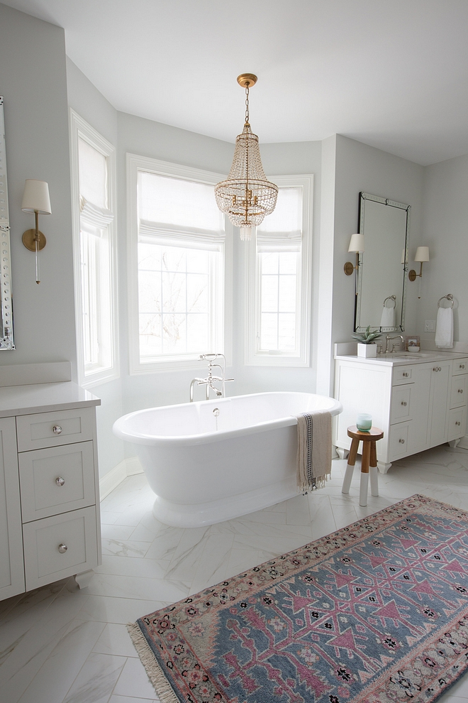 Freestanding bath between vanities Master bathroom layout Freestanding bath between vanities Freestanding bath between vanity ideas #masterbathroom #vanities #freestandingbath