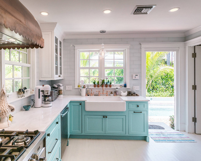Turquoise kitchens Turquoise kitchens Turquoise kitchens Turquoise kitchens Turquoise kitchens This turquoise kitchen features an airy feel thanks to its white hardwood floors, painted in Mountain Peak White by Benjamin Moore