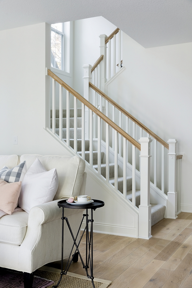 White Dove OC-17 Benjamin Moore Best White Trim Paint Color White Dove OC-17 Benjamin Moore #whitetrim #paintcolor #WhiteDove #OC17 #BenjaminMoore #WhiteDoveBenjaminMooretrim #BenjaminMooretrim