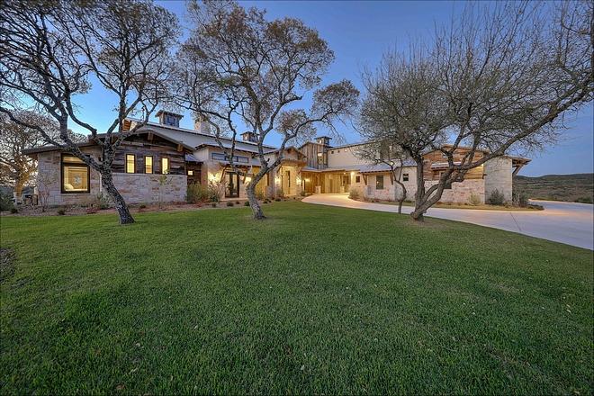 Texas-Style Farmhouse Texas-Style Farmhouse Exterior Texas-Style Farmhouse Texas-Style Farmhouse #TexasStyleFarmhouse #TexasFarmhouse #Farmhouse