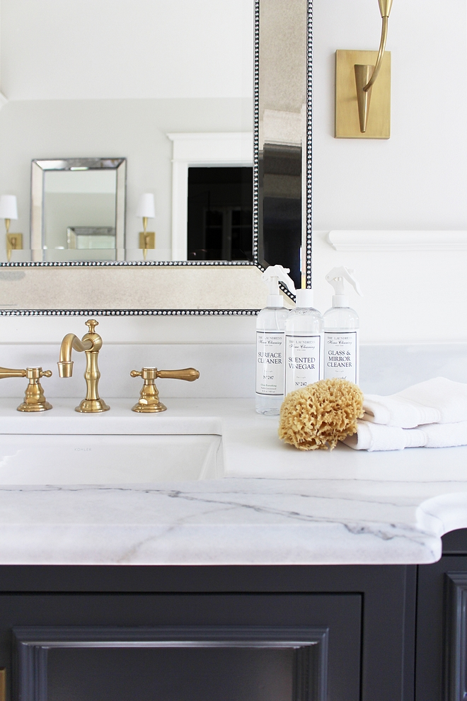 Calacatta Lincoln Marble Countertop is Calacatta Lincoln Marble Very white marble Calacatta Lincoln Marble Calacatta Lincoln Marble #CalacattaLincoln #Marble