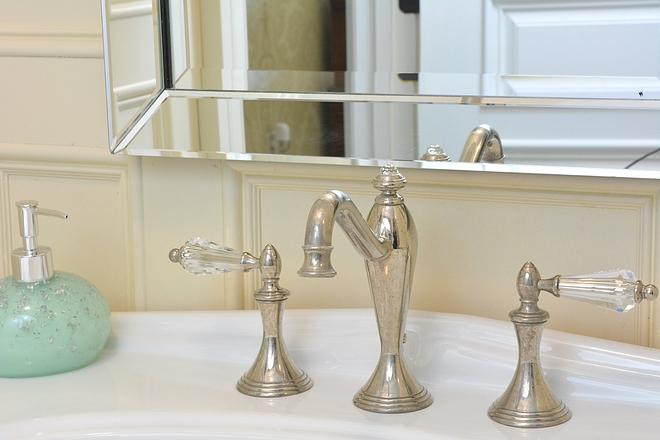 Bathroom faucet with crystal handles Bathroom faucet with crystal handles