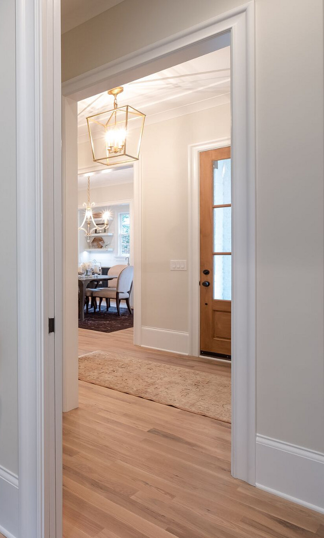 Halo by Benjamin Moore OC-46 Wall color Halo by Benjamin Moore OC-46 works well with brass lighting and light hardwood floors Halo by Benjamin Moore #HaloBenjaminMoore #Benjaminmoore #OC46