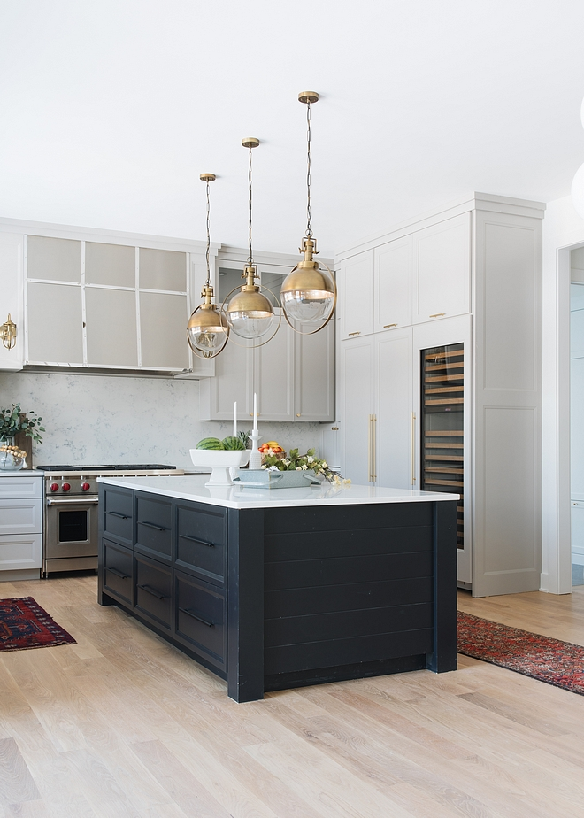 Sherwin Williams SW 6258 TriCorn Black Black Kitchen Island Paint Color Sherwin Williams SW 6258 TriCorn Black #SherwinWilliamsSW6258TriCornBlack #SherwinWilliamsTriCornBlack