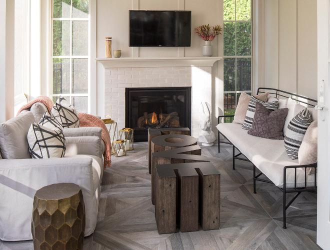 Screened-in Porch Decor Screened-in Porch Fireplace Screened-in Porch Painted Brick Fireplace Screened-in Porch sources on Home Bunch #ScreenedinPorch #Porch #decor #paintedbrick