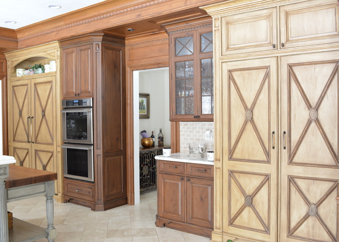 Two toned Wood Kitchen Cabinet Traditional Two toned Wood Kitchen Cabinet Two toned Wood Kitchen Cabinet #TwotonedWood #TwotonedKitchenCabinet