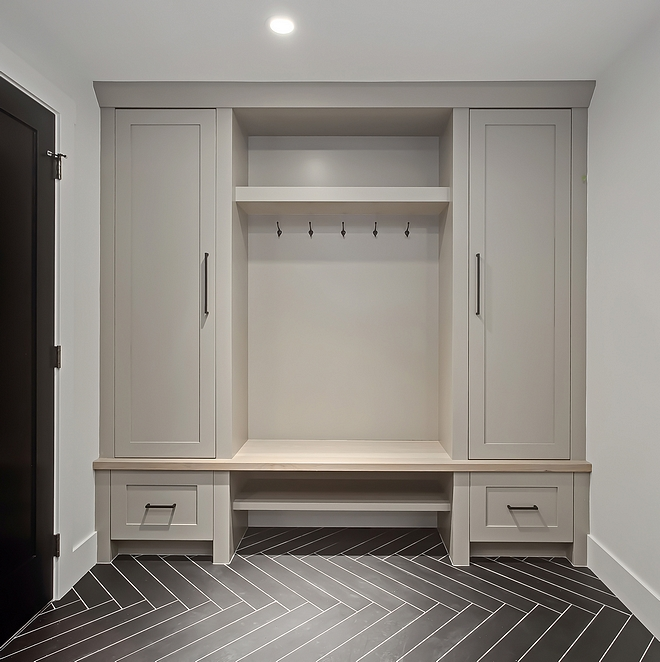 Mudroom cabinets are also in Pratt and Lambert Ventana 11-25 Cabinet features built-on-site lacquered lockers with Hickory bench top Mudroom #mudroom #Mudroom #cabinet #PrattandLambertVentana