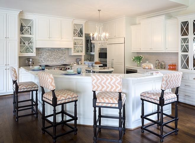 Kitchen cabinet paint color is Alabaster by Sherwin Williams Best white kitchen paint colos Kitchen cabinet paint color is Alabaster by Sherwin Williams #Kitchencabinet #paintcolor #AlabasterSherwinWilliams