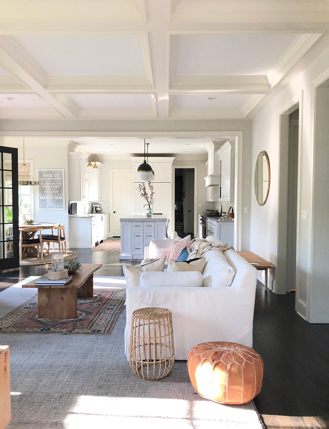 Benjamin Moore Intense White is the best option if you are looking for a warm white paint color that doesn't feel stark #BenjaminMooreIntenseWhite