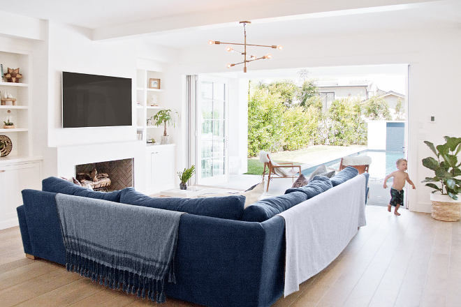 California style Coastal interiors White and navy blue California style Coastal interiors Modern California style Coastal interiors #Californiastyleinteriors #CaliforniaCoastal #CaliforniaCoastalinteriors