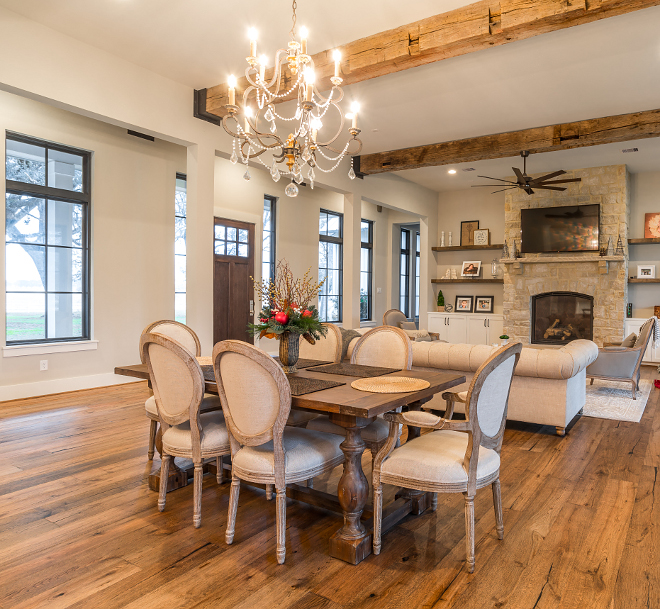 Farmhouse Dining Room Farmhouse Dining Room with reclaimed beams Farmhouse Dining Room #FarmhouseDiningRoom #Farmhousestyle