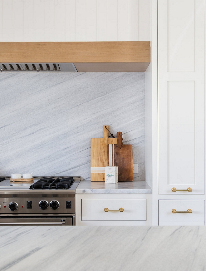 White and light grey marble countertop and slab backsplash White and light grey marble White and light grey marble #Whitemarble #lightgreymarble #marble