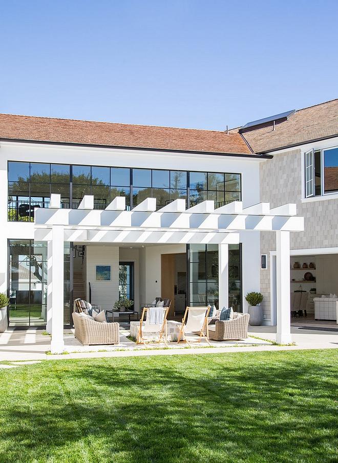 White Pergola Modern Farmhouse with white pergola White Pergola White Pergola #WhitePergola