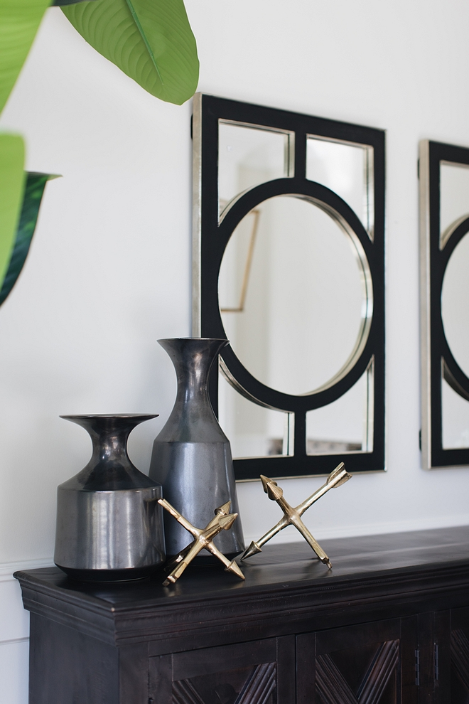 Black mirrors Dining room with black framed mirros #diningroommirror #blackmirrors