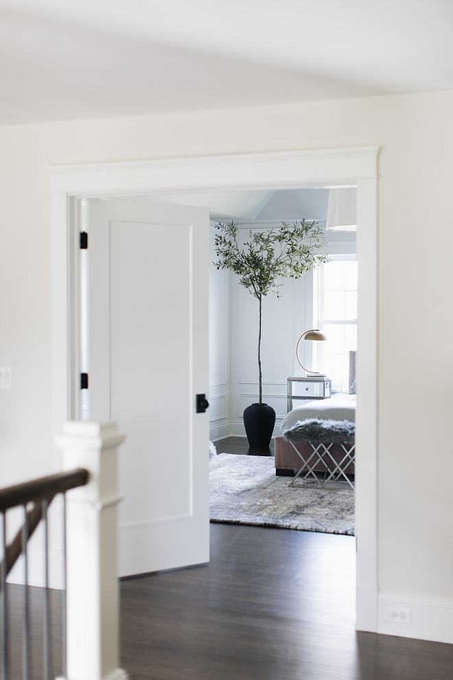 Classic Gray OC-23 by Benjamin Moore wall paint color with Simply White by Benjamin Moore Trim paint color #BenjaminMooreTrimpaintcolor