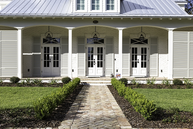 Brick Panthway A brick pathway in herringbone pattern leads to the front porch #brick #exteriorbrick #herringbonebrick