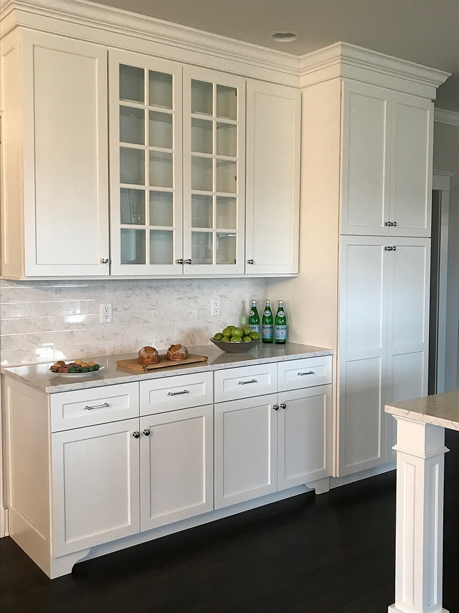 Shaker style Kitchen cabinet paint color Sherwin Williams Extra White Crisp white kitchen cabinet paint color Shaker style Kitchen cabinet Shaker style Kitchen cabinet #Shakerstyle #Shakerstylekitchen #Shakerstylecabinet #Shakerstylekitchencabinet #Shakerstylecabinetpaintcolor #Kitchencabinet #crispwhitekitchen #cabinetpaintcolor #sherwinwilliamsextrawhite