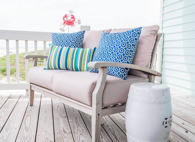 Outdoor Pillow Decor Ideas How to combine outdoor pillows outdoor decor Outdoor Pillow Decor #OutdoorPillow #OutdoorDecor