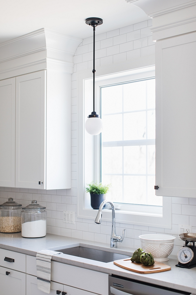 White kitchen mix metals White kitchen mix metal ideas White farmhouse kitchen mix metal ideas White kitchen mix metals White kitchen mix metal ideas White farmhouse #Whitekitchen #kitchenmixmetals