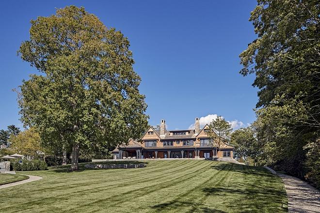 Shingle home Lawn
