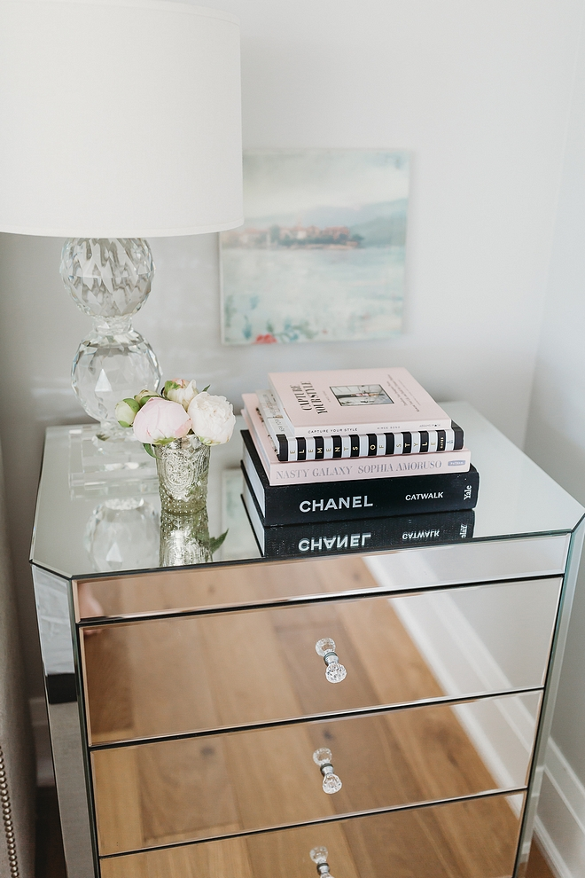 Bedroom Nightstand Decor Delicate feminine nightstand styling ideas Bedroom Nightstand Decor Delicate feminine nightstand styling #BedroomNightstandDecor #NightstandDecor #nightstandstyling