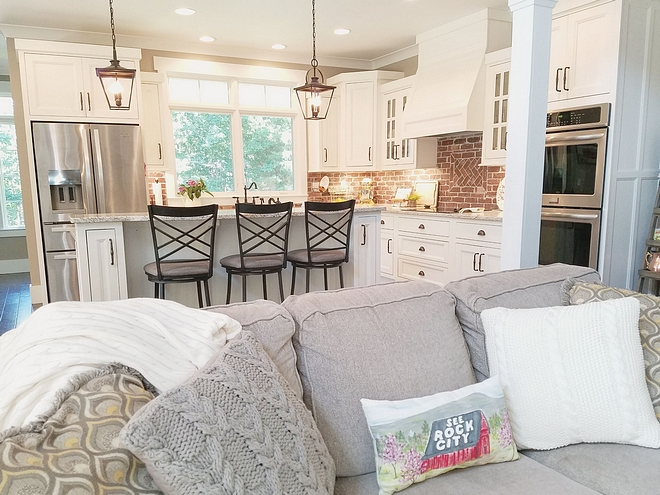 Craftsman colums separate kitchen to living room Craftsman colums Craftsman colums Interior Craftsman colums #Craftsmancolums