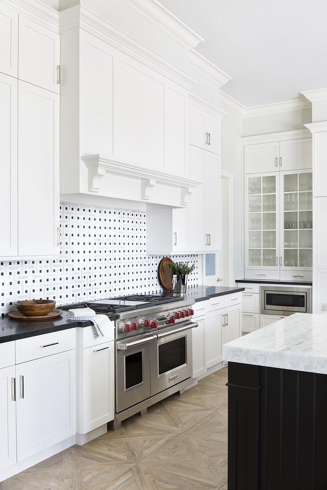 Benjamin Moore White Dove Kitchen cabinet Benjamin Moore White Dove Kitchen cabinet paint color #BenjaminMooreWhiteDove #BenjaminMoore #WhiteDove #kitchen #cabinet #paintcolor