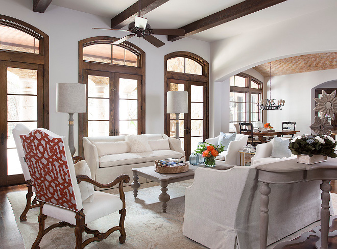 Benjamin Moore White Dove OC-17 Benjamin Moore White Dove OC-17 Off-white Best Off-white paint color Benjamin Moore White Dove OC-17 #BenjaminMooreWhiteDoveOC17 #BenjaminMooreWhiteDove #offwhite #bestoffwhite #paintcolor