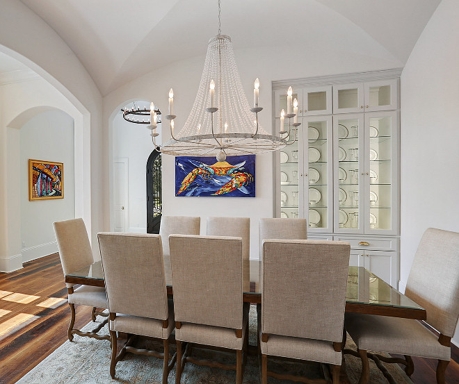 Chandelier Dining room chandelier source on Home Bunch #Chandelier #Diningroom #Diningroomchandelier