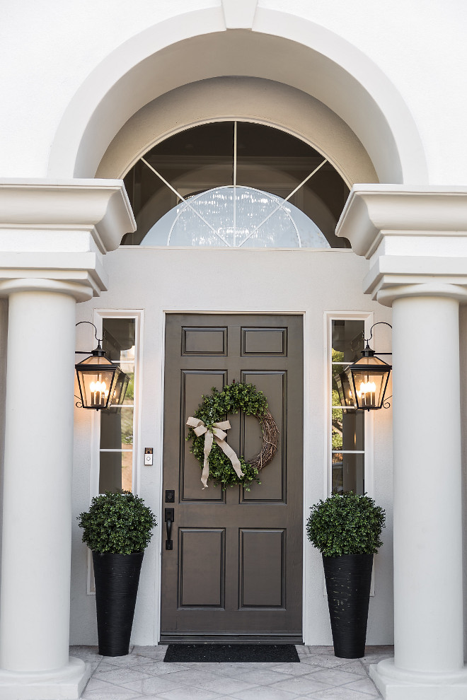 Dunn Edwards Renwick Brown Front Door Paint Color Dunn Edwards Renwick Brown #DunnEdwardsRenwickBrown #Frontdoor #PaintColor
