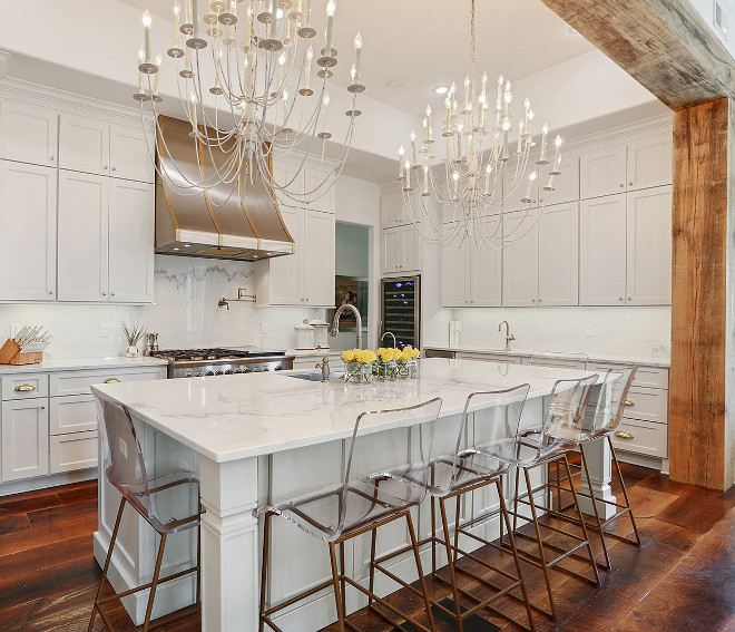 Benjamin Moore OC-54 White Wisp Pale Gray Kitchen Cabinet Paint Color Pale Gray Kitchen Cabinet #PaleGrayKitchen #GrayCabinetPaintColor #BenjaminMooreOC54WhiteWisp